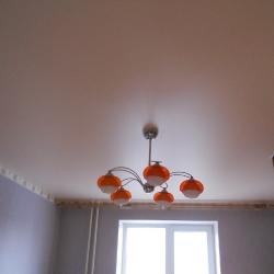 Сатиновый потолок в комнате в Гомеле