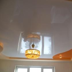 Оранжевый комбинированный потолок в Гомеле