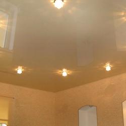 Стильный одноуровневый потолок в Гомеле