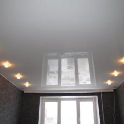 Белый одноуровневый потолок в Гомеле