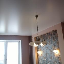 Уютный одноуровневый потолок в Гомеле